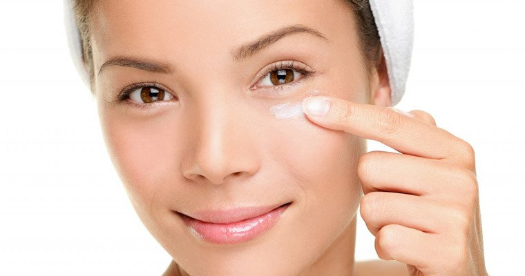 How To Apply Eye Cream Correctly